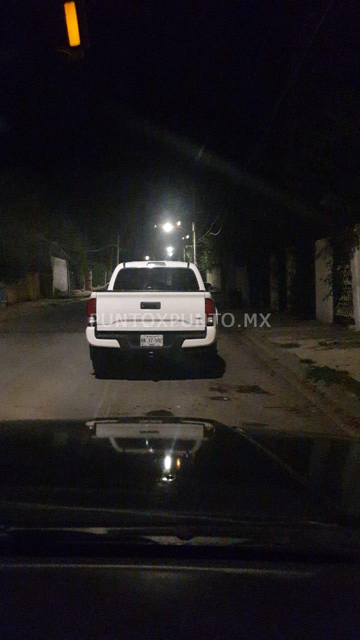 ABANDONAN EN SANTIAGO ASALTANTES VEHICULO ROBADO EN LOTE DE AUTOS EN ALLENDE.