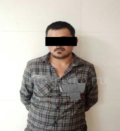 POLICIAS LO SORPRENDEN CON CON DROGA EN EL EJIDO SAN RAFAEL DE GALEANA.